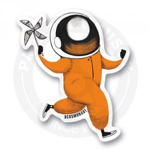 Космонавт с игрушкой вертушкой<br>