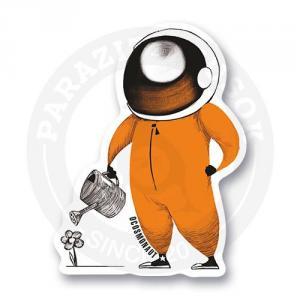 Космонавт поливает цветочек<br>