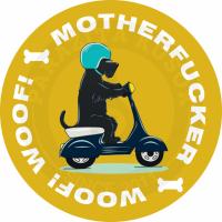 пес на мотоцикле<br>